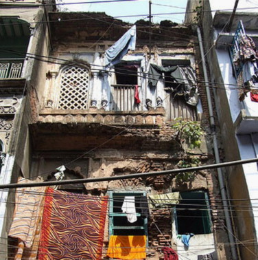Existing condition of the Row Houses at Shankhari Bazaar (Bahauddin, 2010).